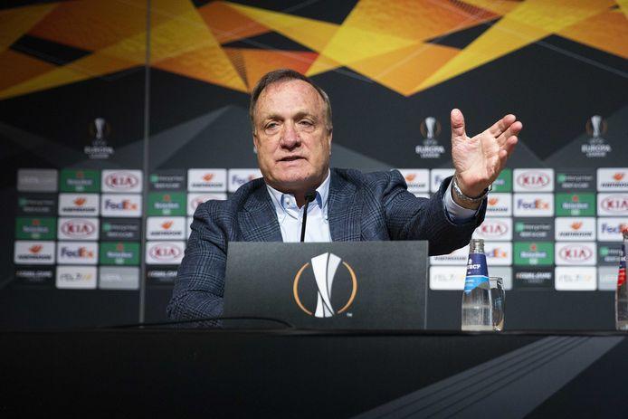Dick Advocaat tijdens de persconferentie voorafgaand aan de Europa League-wedstrijd tegen Dinamo Zagreb.