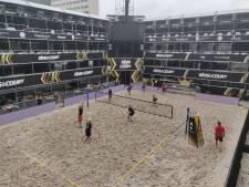 Beachvolleyballers strijden als gladiatoren in Romeinse arena op Jaarbeursplein