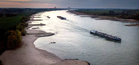 Tankers lozen elke dag illegaal kankerverwekkend gas vanaf de Waal