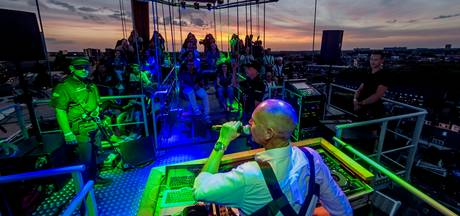VIDEO: Niet voor angsthazen: dj-set op 55 meter hoogte
