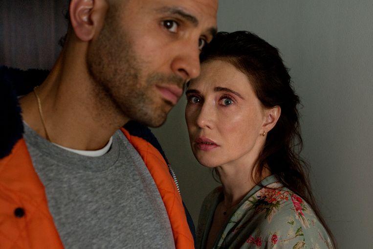 Marwan Kenzari en Carice van Houten in 'Instinct'. Beeld Kris Dewitte