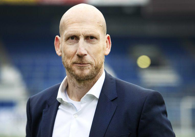 Jaap Stam is terug op het oude nest PEC Zwolle. 'Het is mooi om terug te zijn, ik kan op de fiets naar de club'