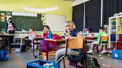 """Basisschool Vierhuizen zet extra in op eerste leerjaar: """"Beetje onwennig, maar vooral veel blije gezichten"""""""
