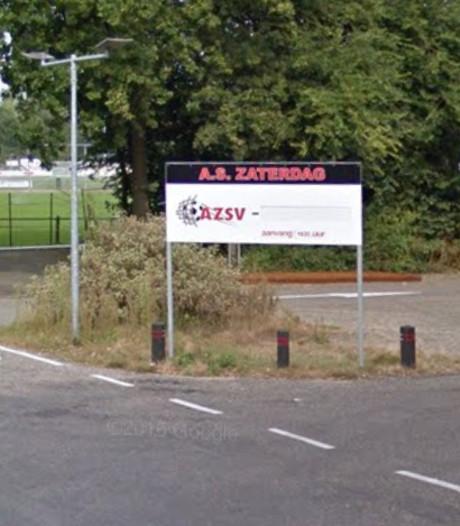 Duel AZSV - Huizen gestaakt vanwege blessure assistent-scheidsrechter