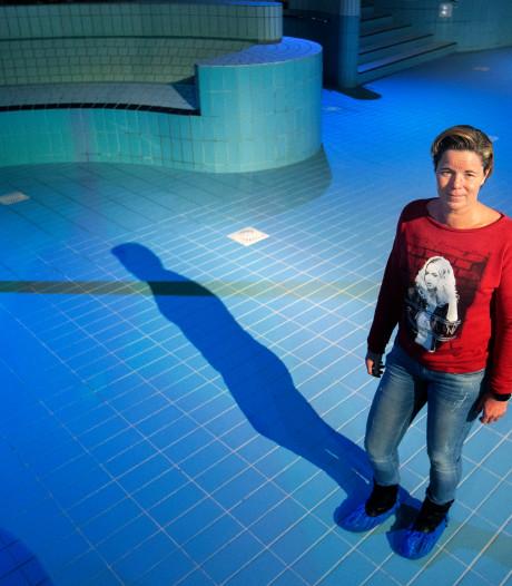 Leiding klapt, zwembad in Veldhoven loopt binnen een uur leeg