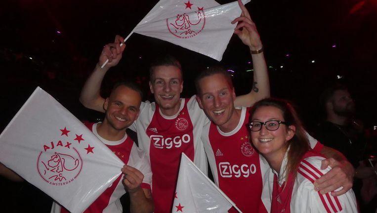 Vooraf: supporters Olcay (1-0), Kevin (3-0), Aron (2-1, of misschien 2-3) en Amanda (2-1) Beeld Schuim