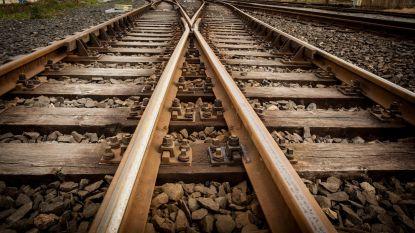 Tweehonderdtal mensen geëvacueerd uit defecte trein in Luik
