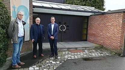 Kerk van 'Poelske' gaat tegen de grond