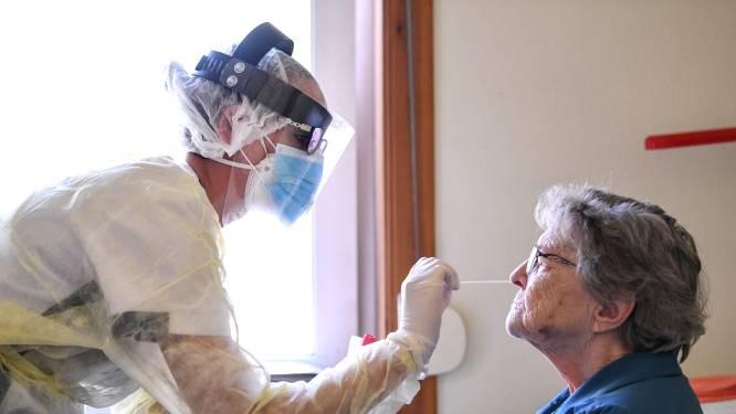 """Besmettingen in rusthuizen stijgen (opnieuw) pijlsnel: """"Personeel ziet nachtmerrie herbeginnen"""""""
