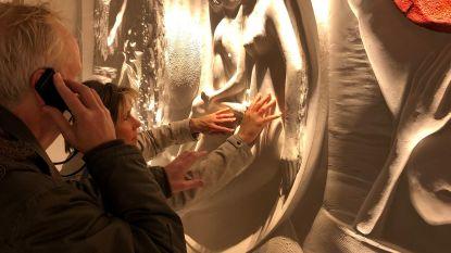 Blinden en slechtzienden mogen sculpturen in Musea Sculpta aanraken