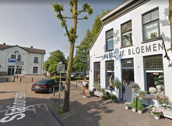 Berkdijk Bloemen, tegenover het station van Oisterwijk, is failliet verklaard.