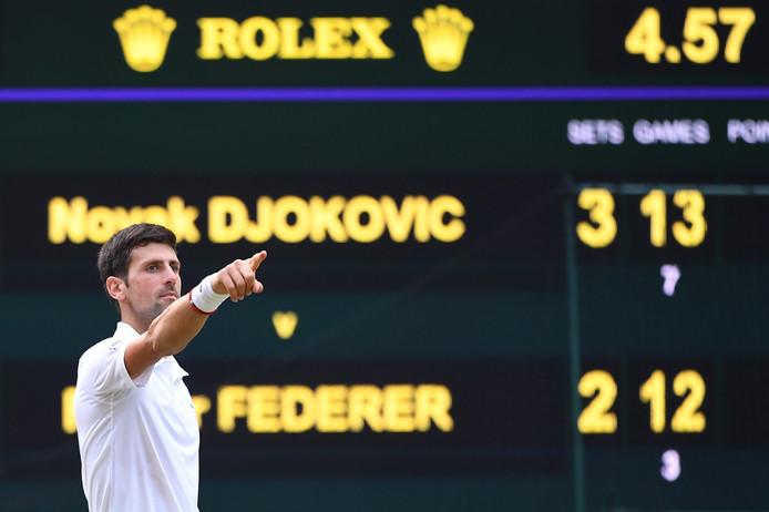 Novak Djokovic na zijn winst op Roger Federer.