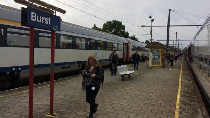 """Minister Bellot belooft: """"Scholierenlijntje blijft minstens open tot 2031"""""""