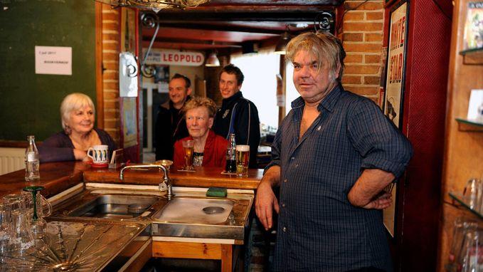Cafébaas Wim Marchal speelt rol in muziekclip