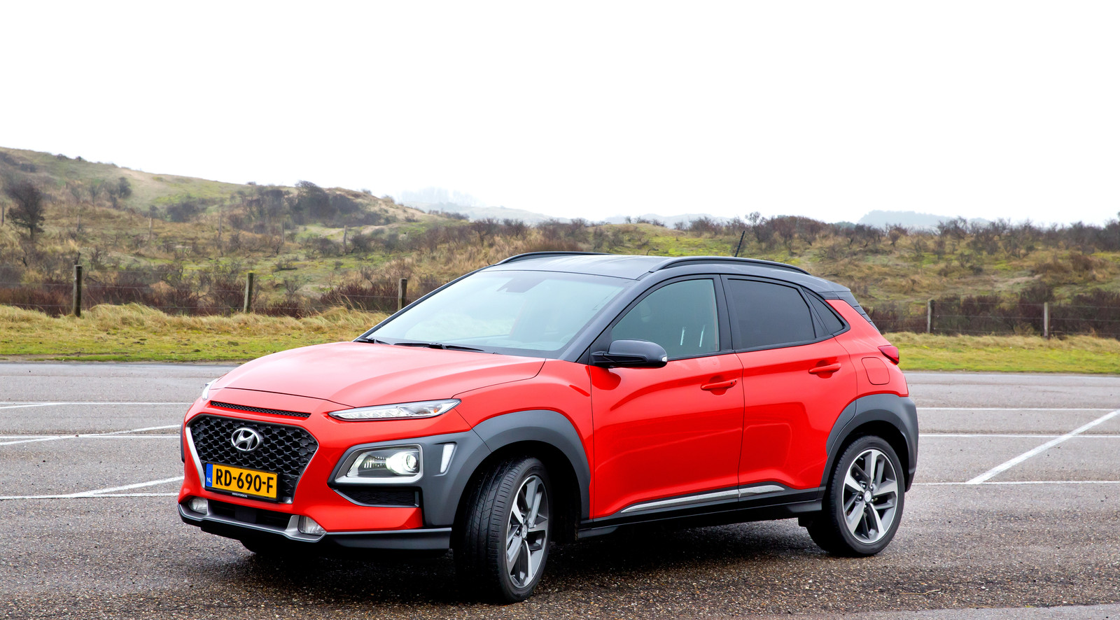 test hyundai kona opvallend en uitdagend foto. Black Bedroom Furniture Sets. Home Design Ideas
