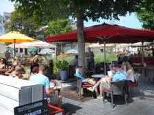 Terrassen in Zeeland zijn weer open: 'Die leegte was onwerkelijk'