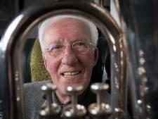 Baritonist Antoon Berghuis (91) uit Heeten is een man van de lange adem