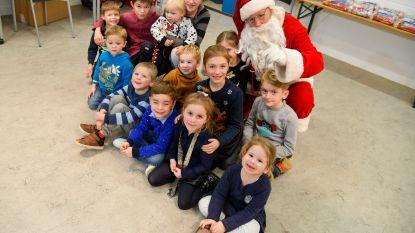 Wijkcomité brengt bewoners en kinderen samen voor kerstfeest