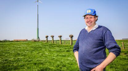 """""""Wist je dat ook koeienmest heel bruikbaar is?"""": Johan was in 2016 eerste in West-Vlaanderen met een privé-windmolen"""