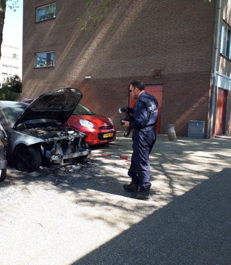 Eén verdachte van Arnhemse autobranden nog vast, andere verdachten weer op vrije voeten