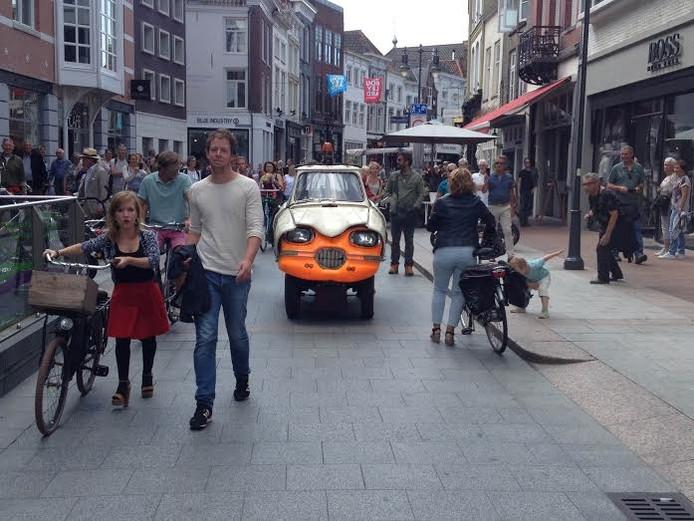 Ami 6 in de Kerkstraat