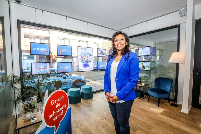 Anitha Daniel is een jaar aan de slag als vastgoedmakelaar in Ruddervoorde.