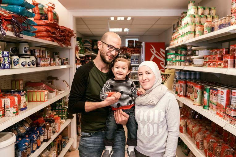 Papa Abdullah Allawad en mama met dochtertje Seba.