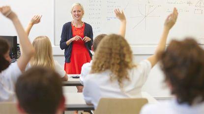 """Zoveel verdient een Vlaamse leerkracht: """"Cru gezegd kan een slechte leerkracht evenveel verdienen als een goede leerkracht"""""""