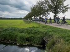 Buurt Stobbenbroekerweg fietst tegen zonnepark in Raalte