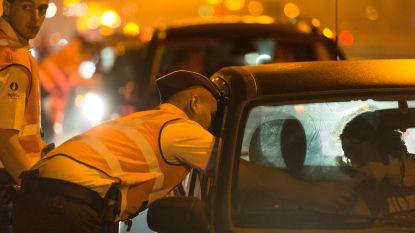 Man toont middenvinger aan agenten bij BOB-controle en vlucht