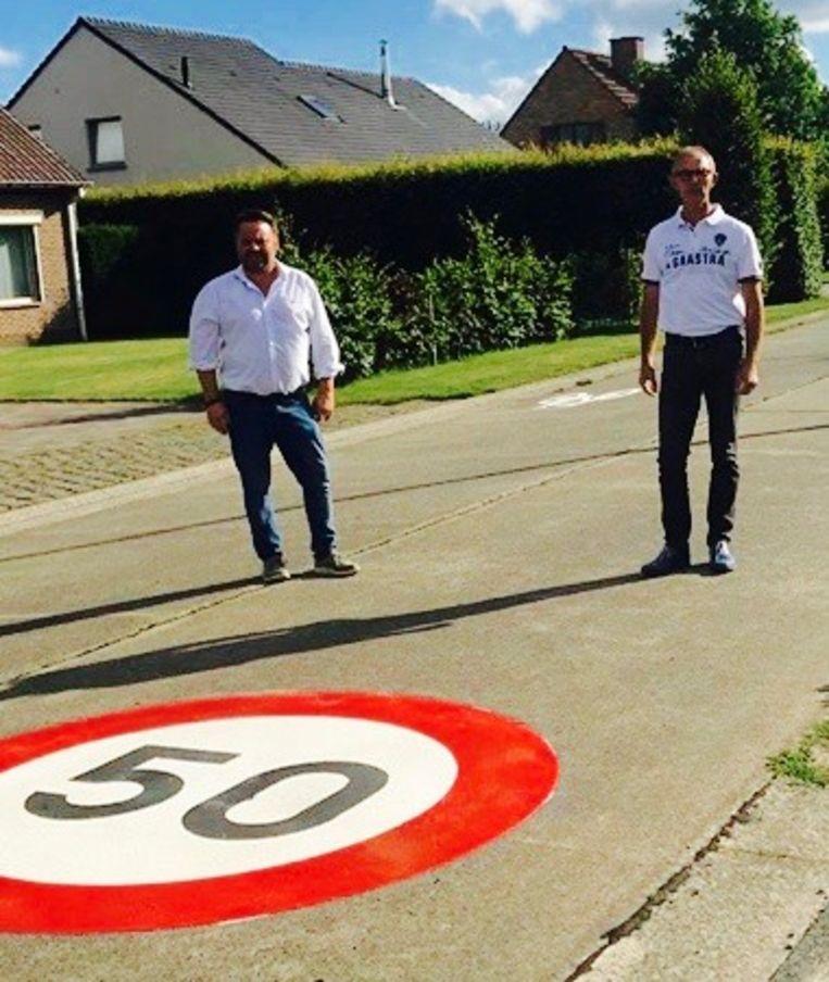 Nico De Wulf en Filip De Moor zijn tevreden met de maatregelen in de Sint-Martinusstraat.