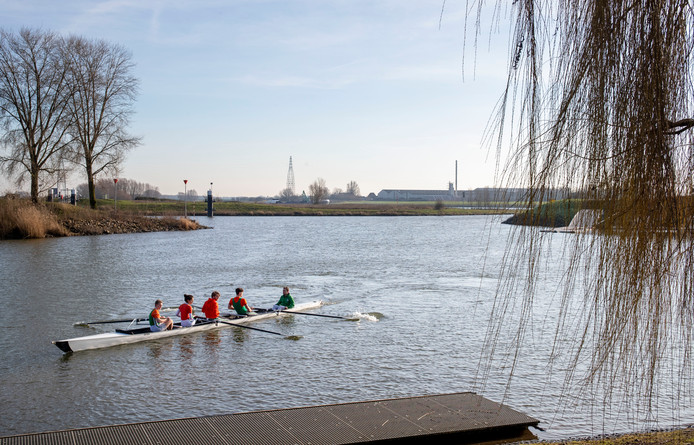 Roeiers van het Wageningse Argo oefenden vandaag vast voor de komende  Oranje Roei Regatta.
