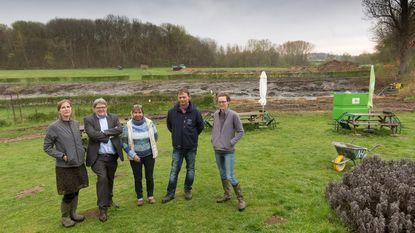 Vijvers aan kasteel Nieuwenhoven krijgen facelift