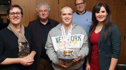 Gouden G-sporter Liam krijgt huldiging op stadhuis
