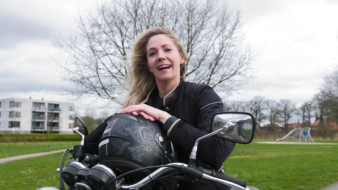 Heb je een leuk verhaal over jou en jouw motor? Dan scheurt Stentor-verslaggefeester Carmen Kuik bij je lnags voor een repo!