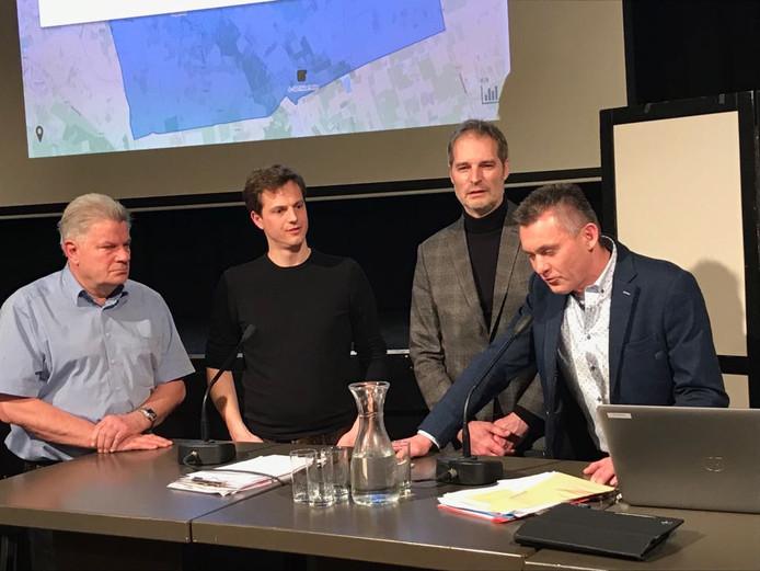 De  Boekelse wethouderskandidaten: Marius Tielemans (r),  Henri Willems (midden) en Martijn Buijsse (tweede van links).