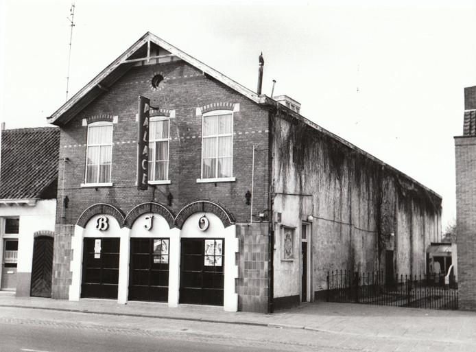 De Valkenswaardse bioscoop Palace in 1975.