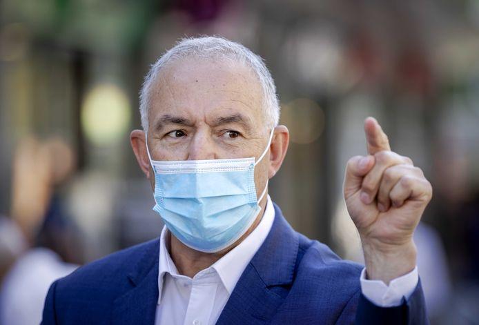 Burgemeester Aboutaleb: 'Zet alsjeblieft dat mondkapje op'
