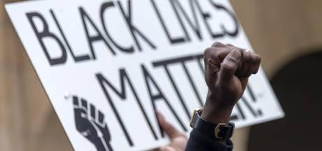 Organisatie verwacht straks 400 tot 500 mensen bij antiracisme-actie in Zwolle: 'Als mensen te dicht op elkaar staan, grijpen we in'