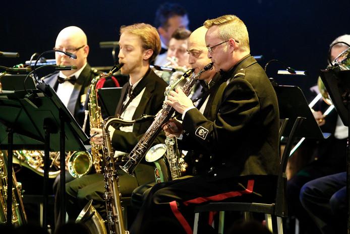 De fanfare Bereden Wapens tijdens een optreden in Borculo.