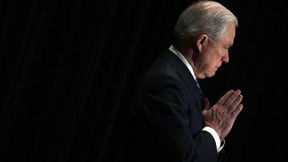 Amerikaanse Justitieminister citeert uit de Bijbel om scheiding migrantenkinderen van ouders te verdedigen