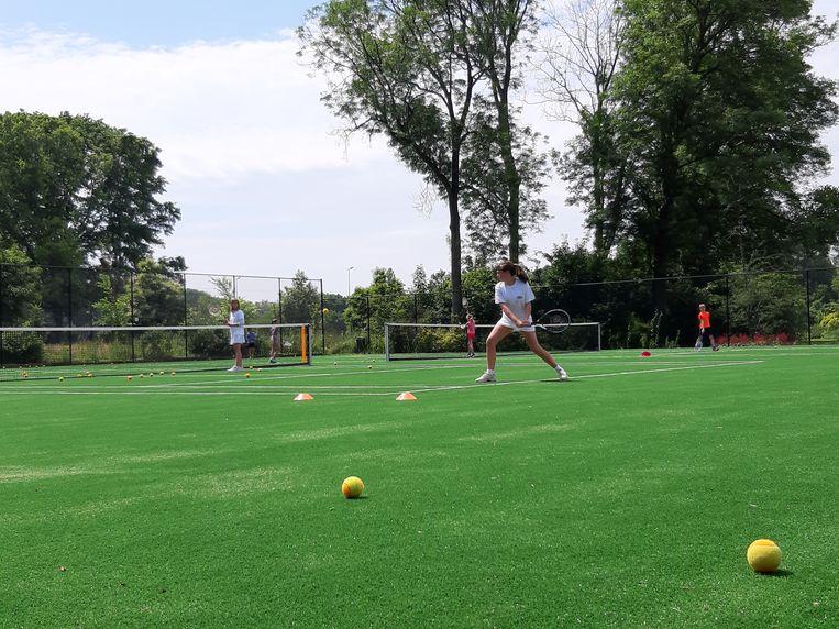 De vernieuwde tennisvelden in het Vrijbroekpark in Mechelen.