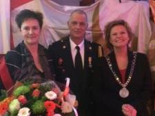 Brandweervrijwilliger John Lissenburg verrast met lintje