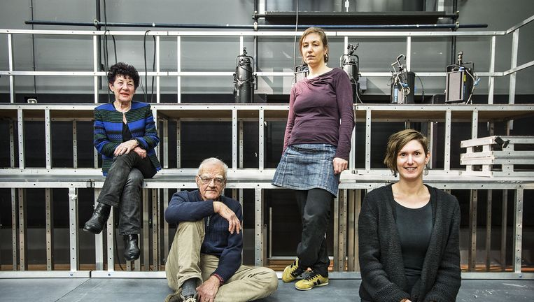 Van links af: Marjan Sax, Co van Melle, Joyce van Dijk en Petra Tensen. Beeld Guus Dubbelman