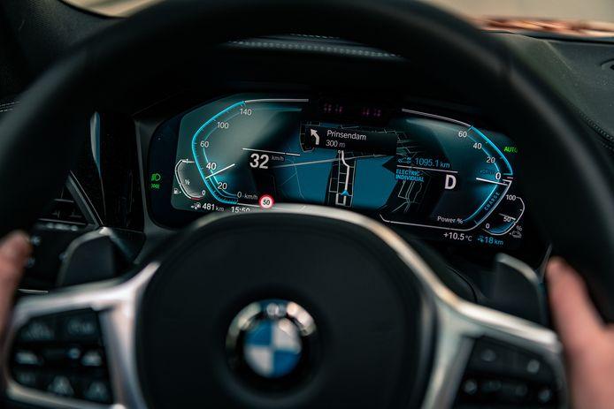 BMW's eDrive Zone regelt dat de auto automatisch elektrisch gaat rijden in de binnenstad