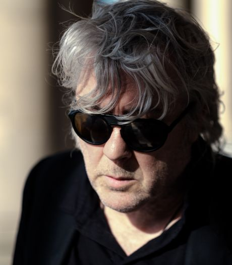"""Arno, atteint d'un cancer, reporte 13 concerts: """"La musique m'a toujours sauvé la vie"""""""