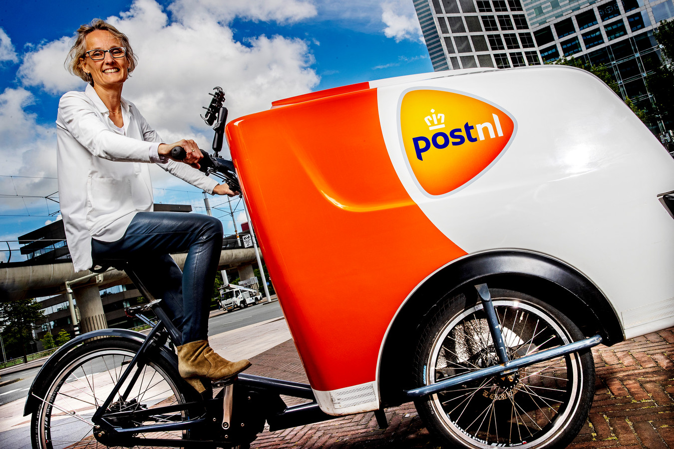 Liesbeth Kaashoek, directeur Pakketten & Logistiek van PostNL.