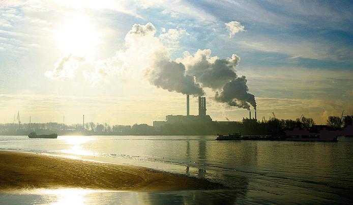 De afvalverbrandingsinstallatie in Rijnmond.