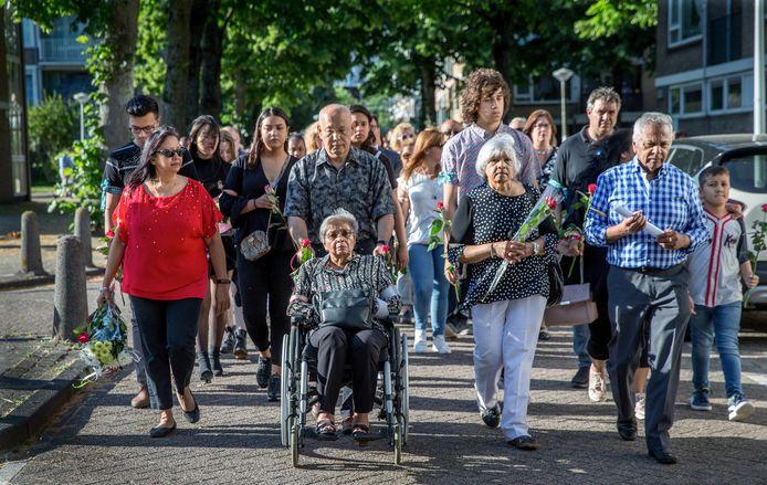 Vorig jaar hielden kennissen en buurtbewoners een stille tocht voor Rinia Chitanie.