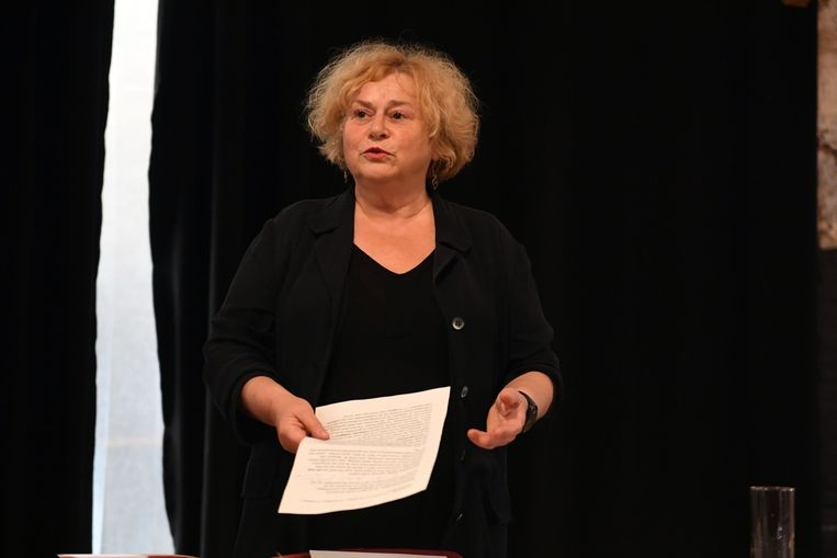 Schepen Denise Vandevoort wil zoveel mogelijk Leuvenaars aan het lezen krijgen en nodigt iedereen op 14 februari uit in de Stadsschouwburg.